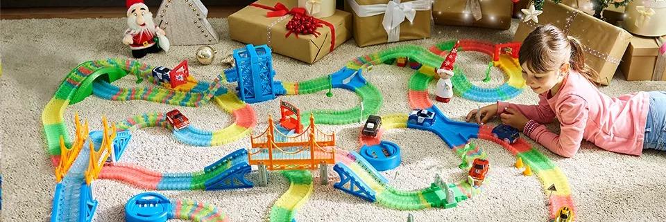 Діти та іграшки